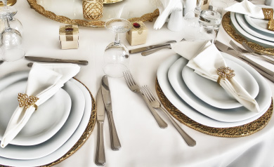 how to set a wedding dinner table